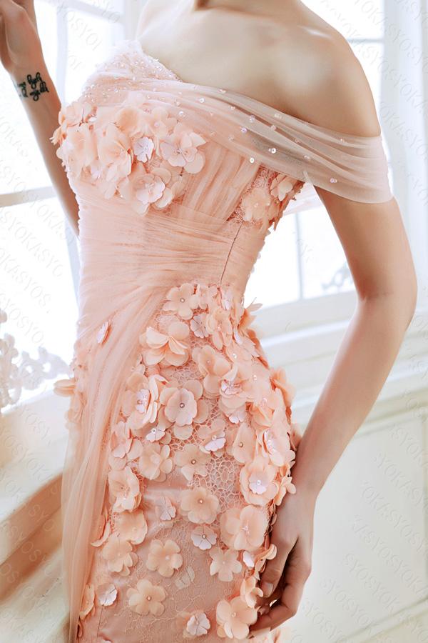 優しさを伝えるピンクカラードレス